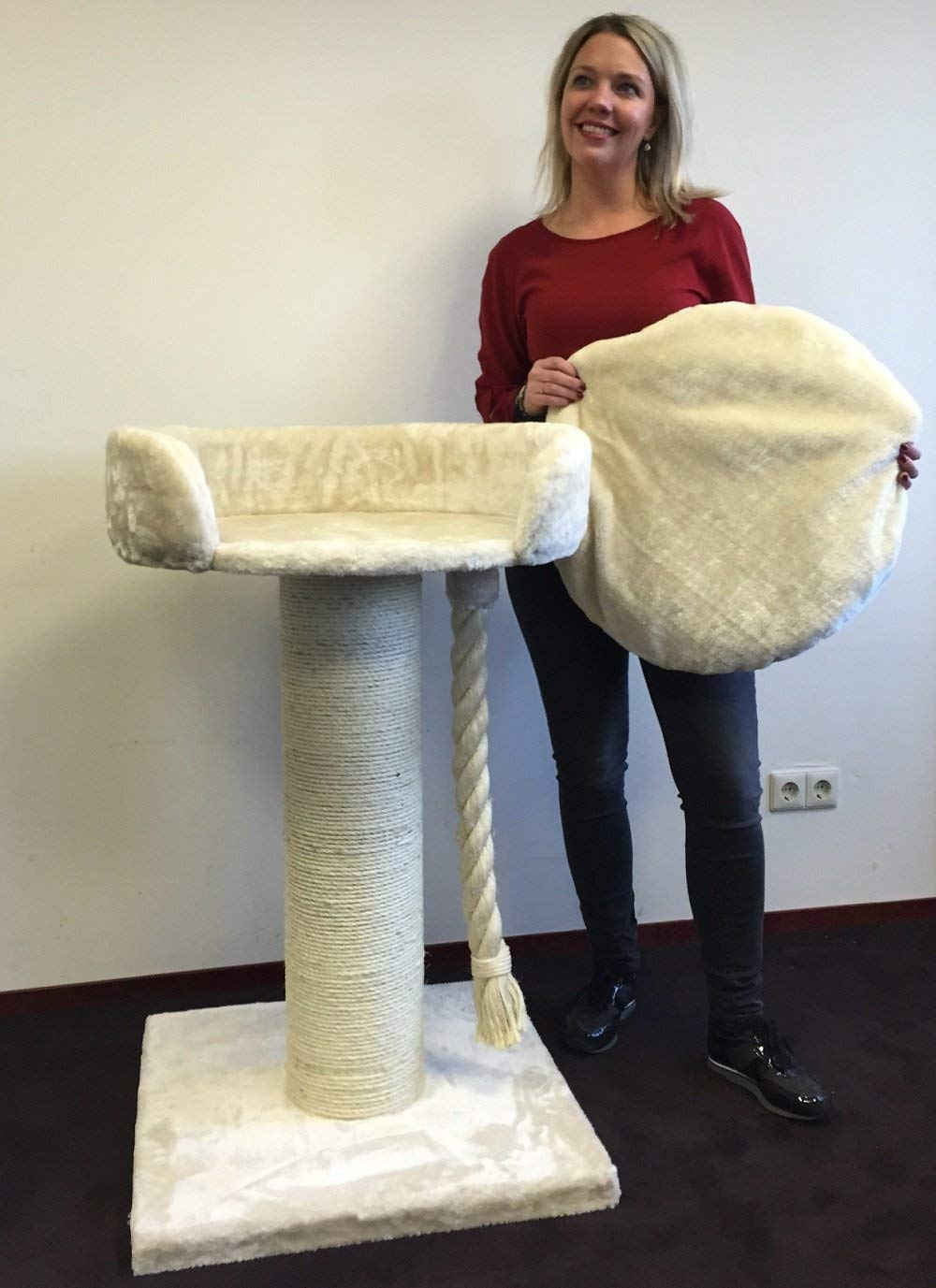 Queensplace XXL Beige Cat Tree for Large Cats www.puppyurl.com